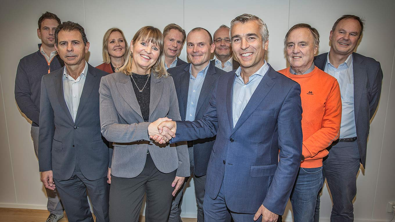 The winning team! Back row from left: Roar Sjøbakk (Syltern), Marianne Aase (Ramboll), Bjørn Endre Dyrseth (Ramboll), Johan Arnt Vatnan (Nye Veier) and Lars Bjørgård (Nye Veier). Middle row from left: José Martínez Salazar (FCC), Arild Mathisen (Nye Veier) and Øystein Syltern (Syltern). Front: Anette Aanesland (Nye Veier) and Pablo Ovejas (FCC).