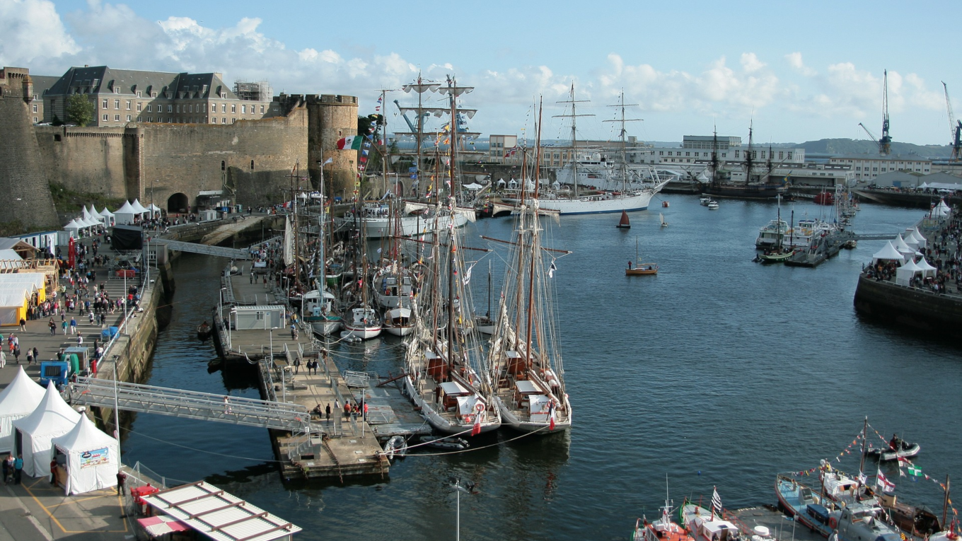 Brest (France): A succesful, sustainable, and seamless port restoration that has proven to be good for the local environment both economically, aesthetically, and culturally.