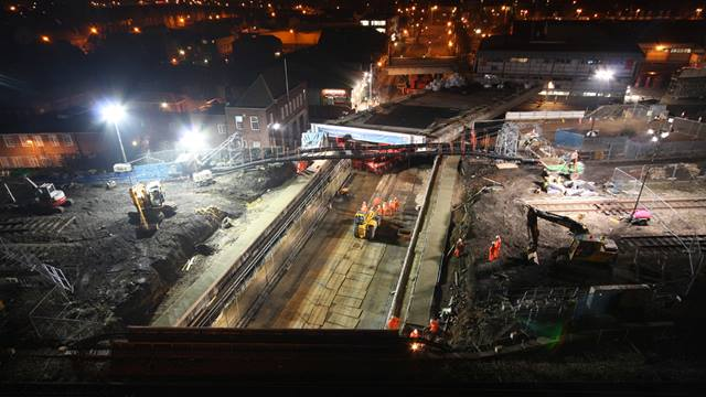 Our rail specialists designed a major rail bridge at Caversham Road for BAM Nuttall and Network Rail. The project is part of a major six-year phased redevelopment of Reading Station and the surrounding rail network. Photo: Network Rail